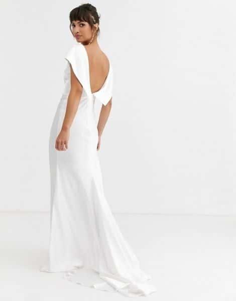 robe de mariée pour femme de 50 ans dos nu