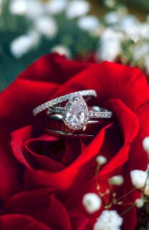 bague de fiançailles diamant forme goutte