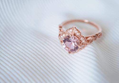 bague de fiançailles forme ronde améthyste rosegold