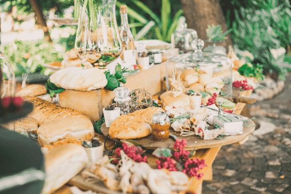 nourriture de mariage pour un buffet ou service à table