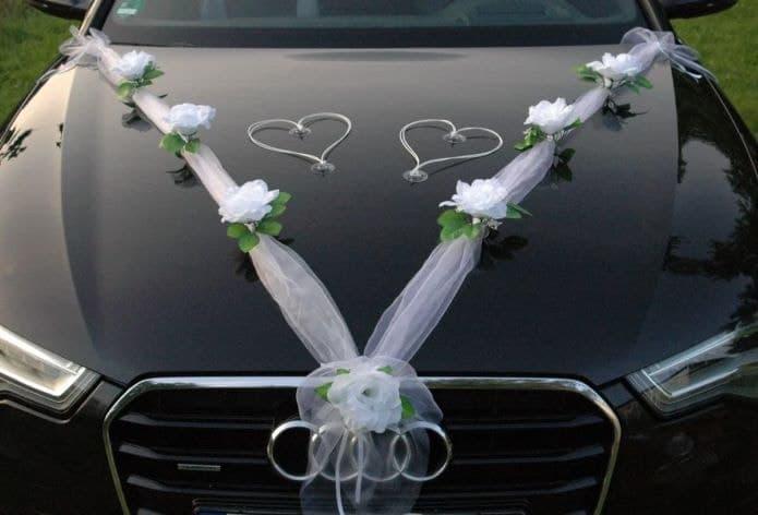 décoration de mariage pour voiture