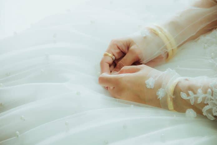 mariée ressentant du stress avant le mariage