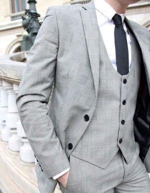 costume de mariage gris clair