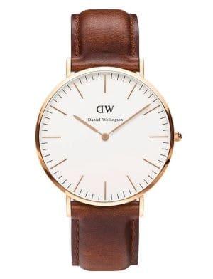 montre bracelet cuir camel et cadran doré daniel wellington