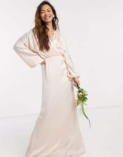 robe de mariée kimono écru pour se marier à 50 ans