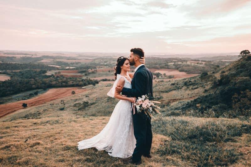 couple de mariés lors d'un mariage organisé avec une wedding planner