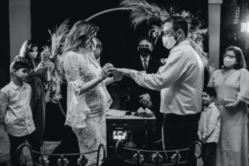 Comment Désinviter Poliment ses Invités de Mariage à Cause du Covid19 [+ Exemples]