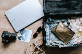 Quoi mettre dans sa valise quand on part en lune de miel? Votre Checklist