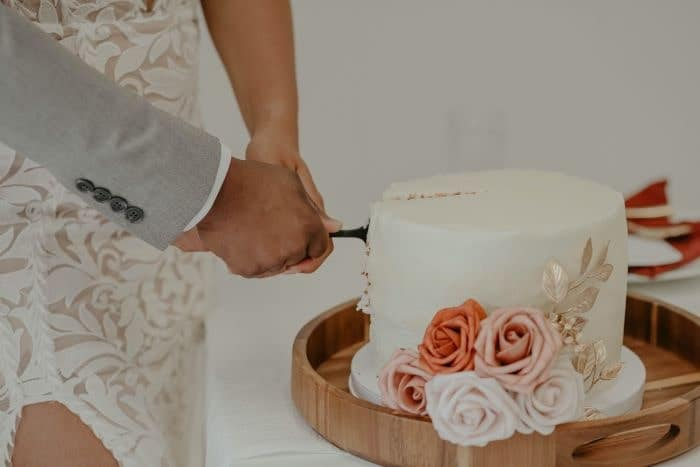 cérémonie du gâteau de micro mariage